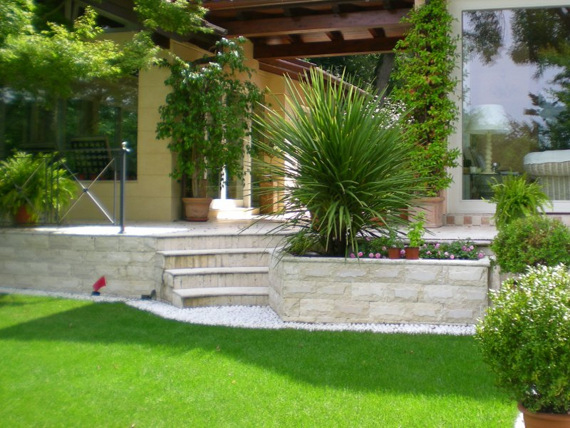 Pro loco lido adriano immobiliari hotel b b residence - Viali da giardino ...